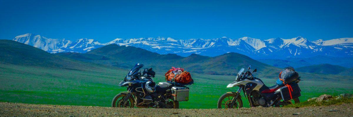 Steppenfuchs Reisen - Motorräder im Altaigebirge