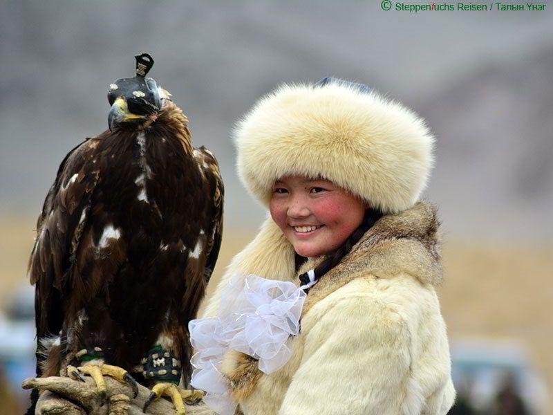 Steppenfuchs Reisen - Adlerjägermädchen