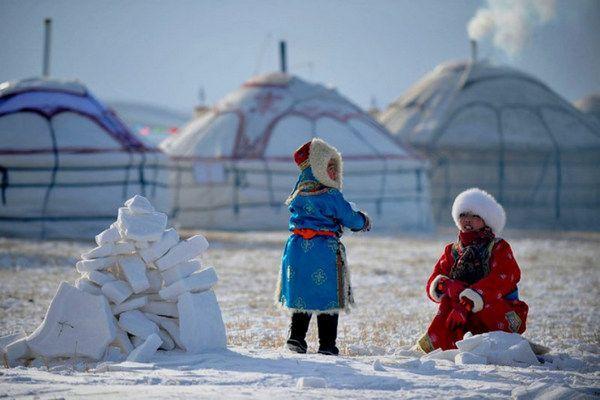 Steppenfuchs Reisen - Nomadenkinder im Winter